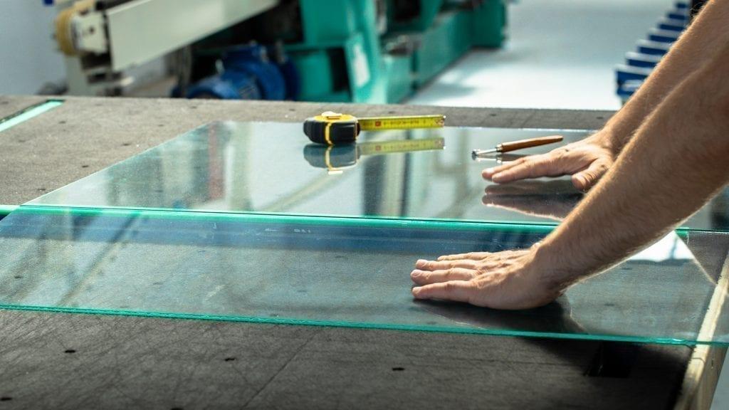 Cursos para profissionais do setor de vidros